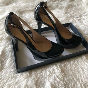 Guess Patent Leather Pumps